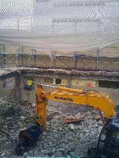 コンクリート造解体現場