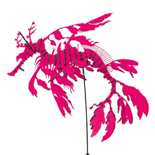 リーフィーシードラゴン【蛍光ピンク】(ディスプレイスタンド付)