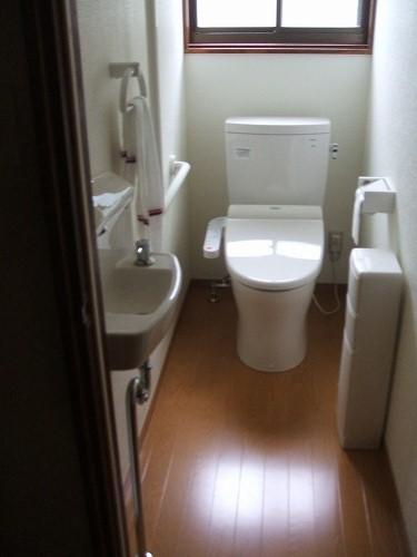 トイレ 段差を解消し、使いやすさを追求