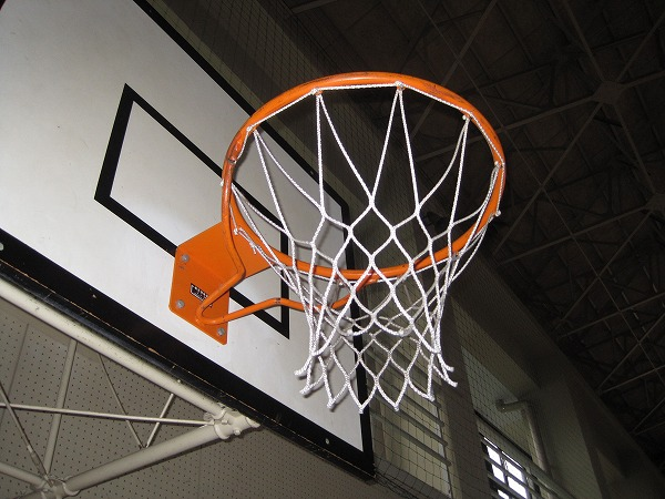 【中学校】バスケットゴールの修理