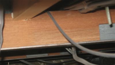 電線を隠すのに天井裏の配線したよー