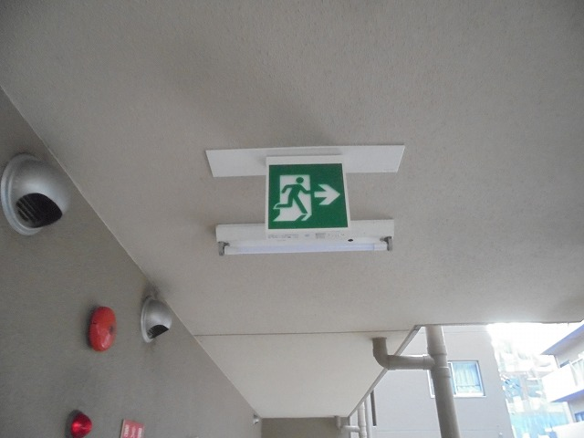 マンション誘導灯更新工事
