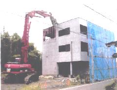 賃貸マンションの解体工事