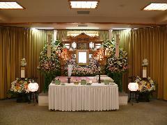 菰野町営式場 祭壇例2