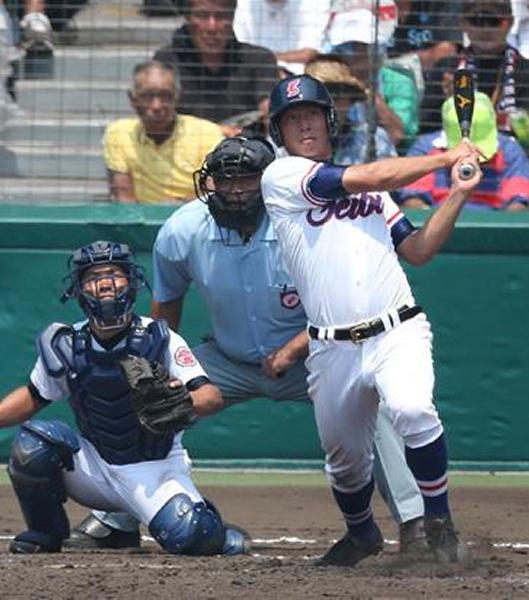 5回に左越え本塁打を放った坂本君