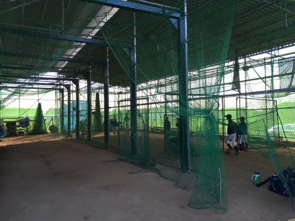 3カ所で思いっきり打撃練習が出来る室内練習場