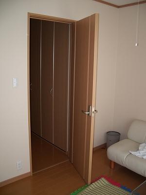 戸の開く方向を変えたい
