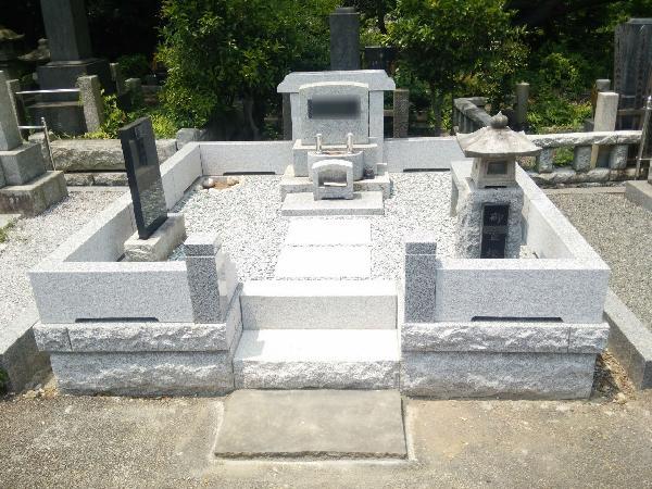日野公園墓地のお墓【外柵】を御影石へリフォーム