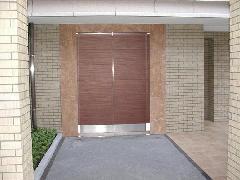 マンション共用部分へのREFパネルの取り付け施工