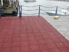 港湾施設へのサイレントチップの施工