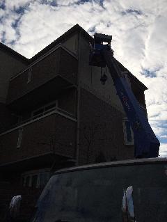 高所作業社を使用しての撤去作業
