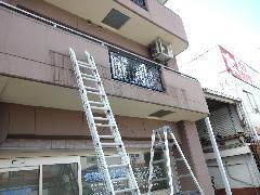 大阪府高槻市 ファサード看板とガラス面シート撤去