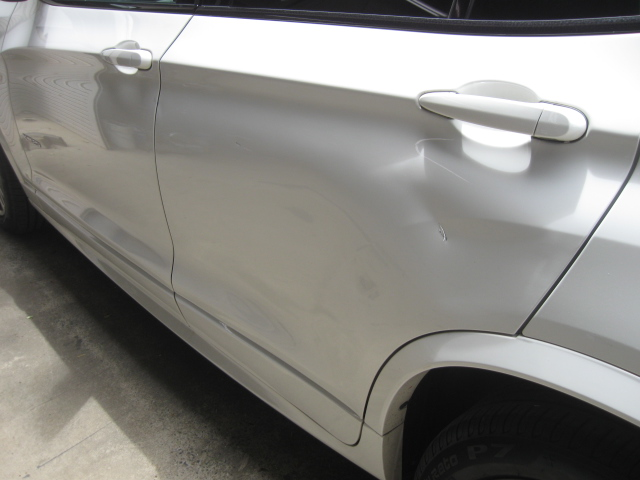 BMW ドア修理