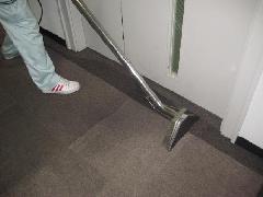 オフィスビルのカーペット洗浄(東京都 渋谷区)