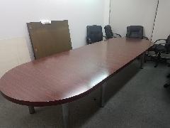 東京都新宿区 会議テーブル土台カット施工