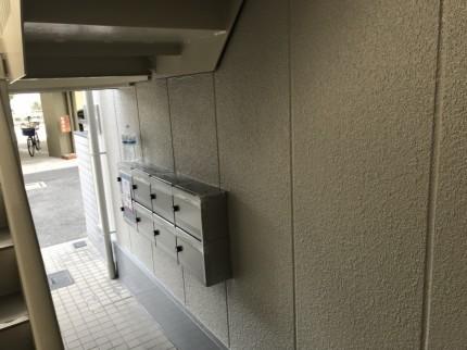 大阪府守口市のマンションの雨漏り修繕・外壁屋根塗装を行いました。