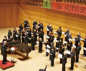 杉並公会堂大ホールで行われた公演の様子