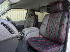フロント用200系ハイエース IFUU高級欧州車デザイン3D成形バケットシートカバー ブラック×ボルドー