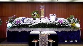 蘭でいっぱいの一般葬  鶴見斎場式場(実例)
