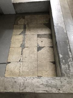 埼玉県浦和区 マンション外部裏口床張替え工事