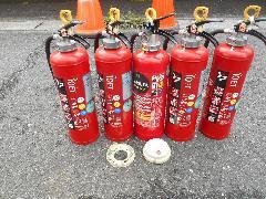 さいたま市の物件で消火器具と自動火災報知設備の差動式スポット型感知器の交換作業
