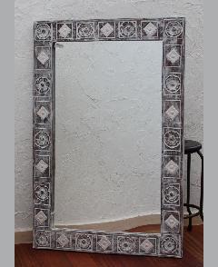 木製 壁掛けミラー/鏡 (テゥフラワー彫りデザイン)