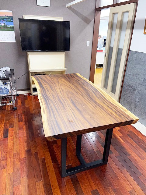 モンキーポッド 会議室用一枚板テーブル