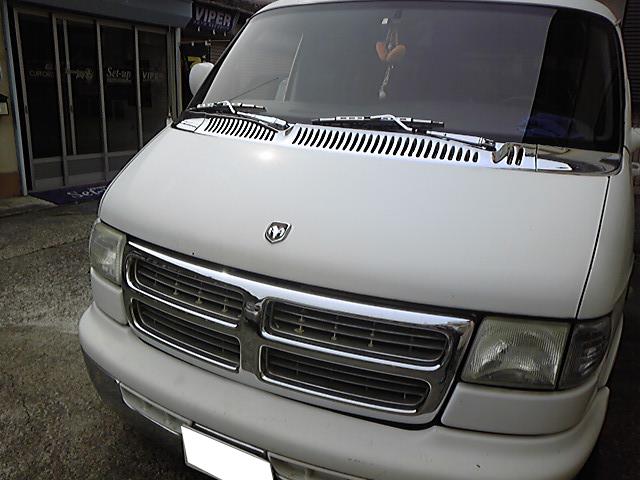 Dodgeのミラーモニター取り付け例