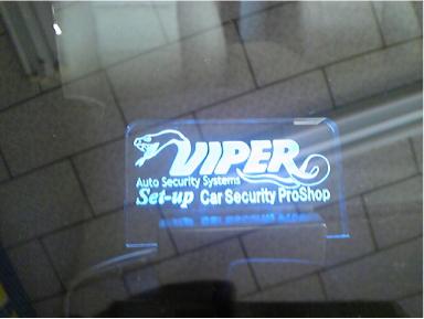 ベンツML350にカーセキュリティ「VIPER」取付例