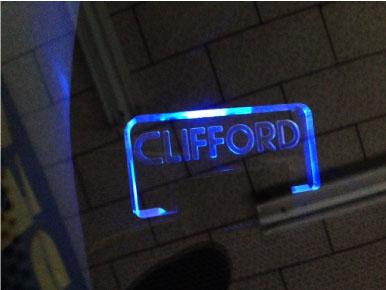 クラウンのCLIFFORD取り付け例
