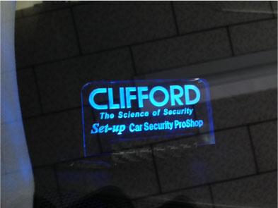 新型アルファードHYBRIDのCLIFFORD取り付け例