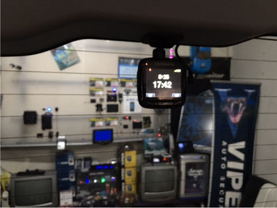 ノアHYBRIDのドライブレコーダー取り付け例