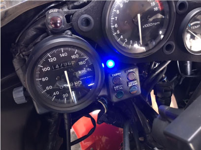 CBR400RRのMerlin3000取り付け例