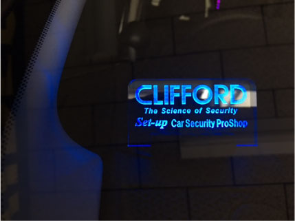 新型セレナ(C27)のCLIFFORD取り付け例