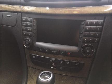 ベンツEクラスワゴン(W211)のナビゲーション取り付け例