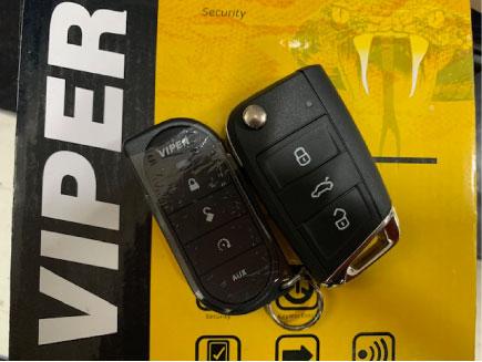 VWポロのVIPER取り付け例