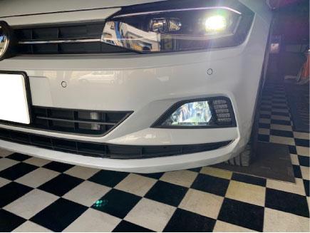 VWポロのLEDフォグ施工例