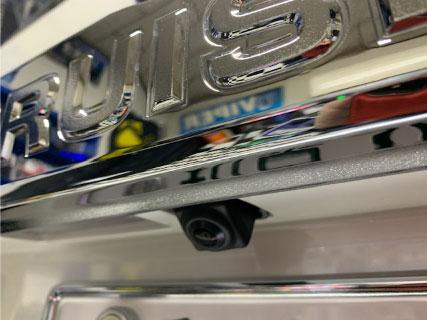 ランドクルーザープラドのバックカメラ取り付け例