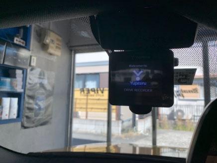 BMWX2のドライブレコーダー取り付け例