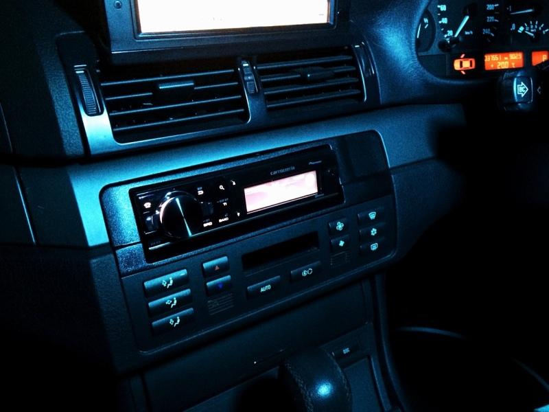 BMW3 パイオニア カロッツェリアコンポ交換
