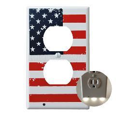 プラスチック2口コンセントプレート LEDガイドライト (星条旗)