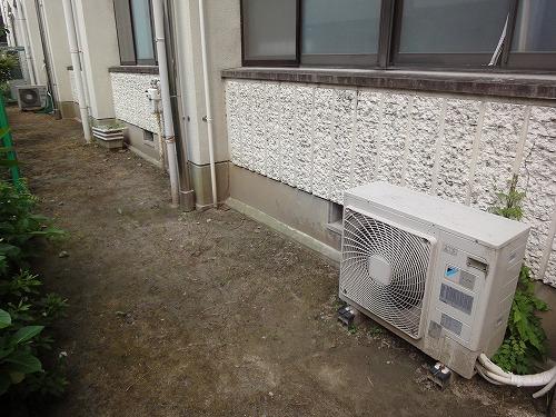 小学校教室へのエアコン取付工事(他校からの移設)