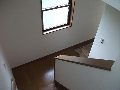 1F廊下〜階段