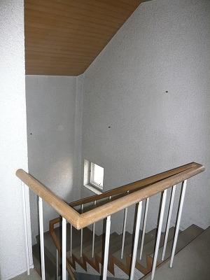 施工前〔階段(3Fホール)〕