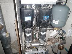 立川市テナントビル 給水ポンプ交換