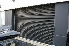 東京都 世田谷区 建物シャッター 高圧洗浄作業