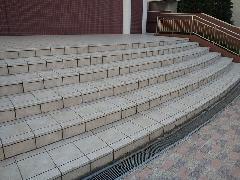 東京都マンション共用階段部分 防滑(すべり止め)材施工