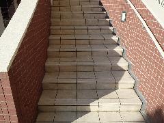 東京都マンション共用階段部分 防滑(すべり止め)加工
