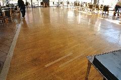 群馬県宿泊施設レストランフローリング床ワックス剥離洗浄