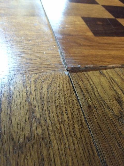 床板が剥がれそう